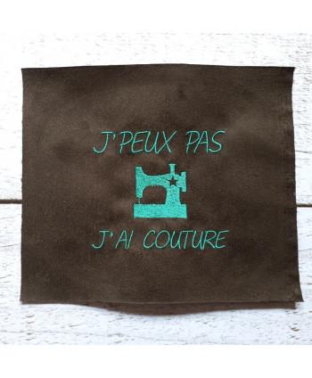 """Coupon brodé """"J'peux J'ai couture"""" marron a"""
