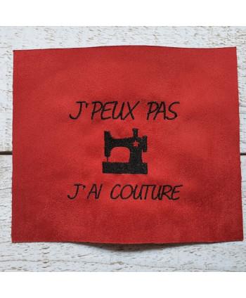 """Coupon brodé """"J'peux J'ai couture"""" rouge a"""